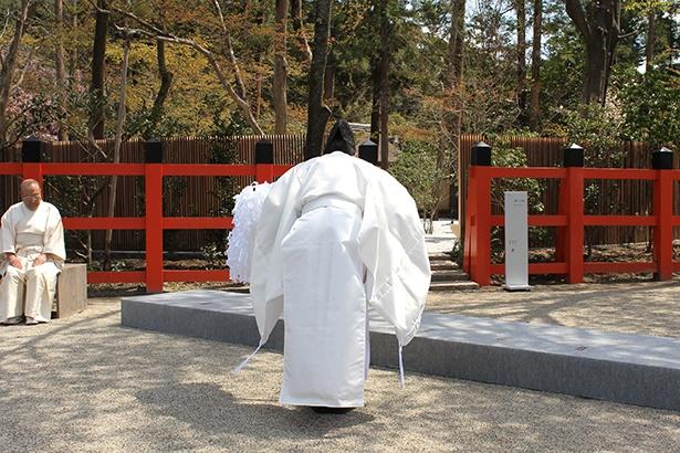 上賀茂神社神職により、神山湧水珈琲Ⅰ煎と関係者へのお祓い(修祓)も行われた