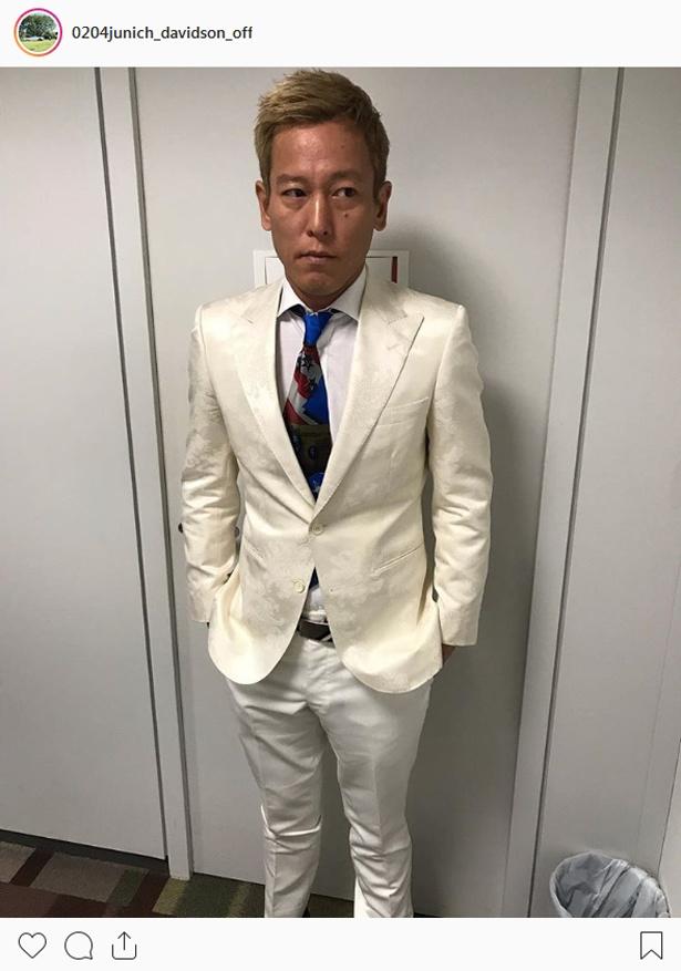 【写真を見る】本田圭佑スタイルで取材に出たじゅんいちダビッドソン