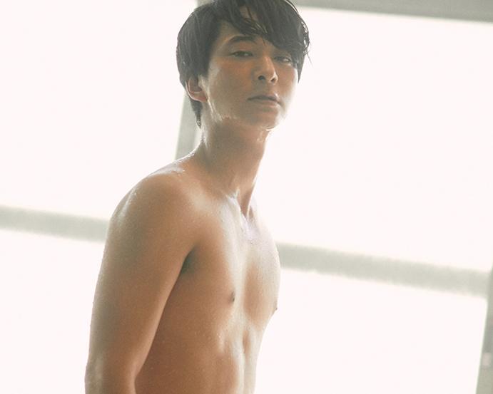 若手演技派俳優の浅香航大。4月14日(日)スタートのドラマ「あなたの番です」(日本テレビ系)では殺人事件を追う刑事を演じる