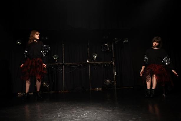 赤の流星ワンマンライブ「Into The Night 〜憂鬱な夜の夢〜」より