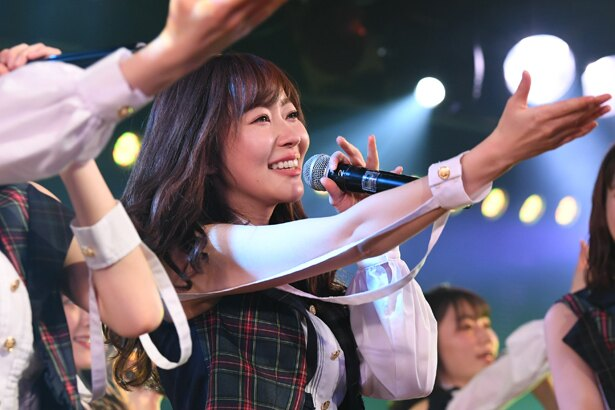 指原莉乃がAKB48劇場での最終公演を行った