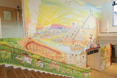 壁一面には古墳時代の生活風景が大迫力で描かれている