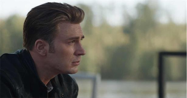 仲間を失った悲しみに暮れるキャプテン・アメリカの頬に涙がつたう…