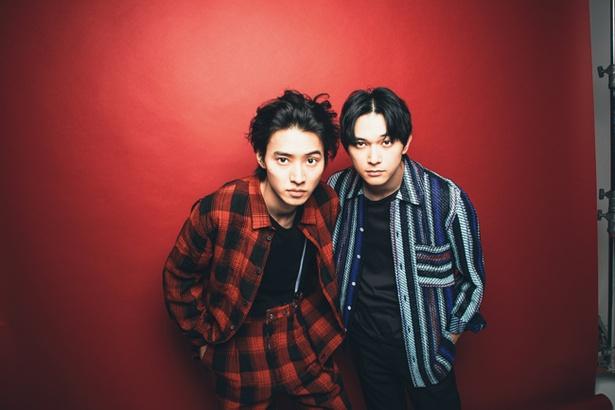 インタビュー中も仲の良さを見せた山﨑と吉沢
