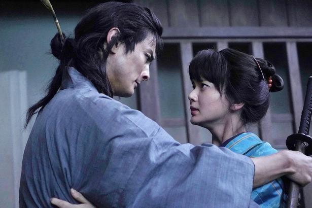 【写真を見る】高良健吾「時代劇では珍しくキスシーンがあります(笑)」