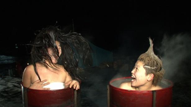 極寒の世界を楽しむガンバレルーヤ