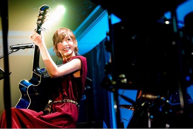 音楽活動も行う希島あいりはライブにも多数出演