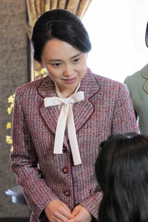 【写真を見る】皇后陛下・美智子さまが、これまで歩まれてきた道のりを、東宮女官長の目線からドラマ化!