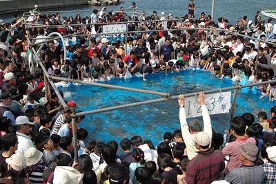 イベント盛りだくさんの「鼠ヶ関大漁旗フェスティバル」