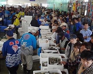 魚づくしの鼠ヶ関!山形県鶴岡市で「鼠ヶ関大漁旗フェスティバル」開催