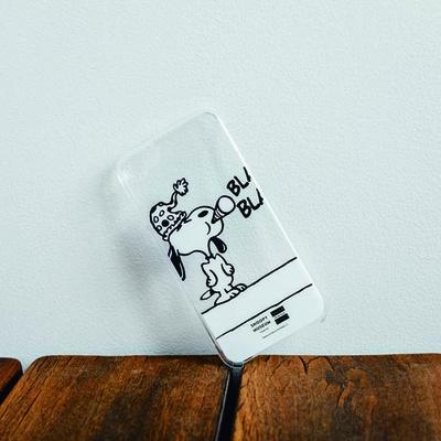 大阪限定iPhoneケース(2484円)。スヌーピーファンならぜひ使いたい/スヌーピーミュージアム展