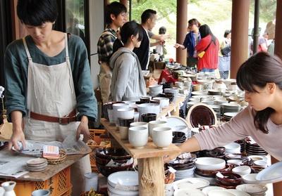 小石原 春の民陶むら祭 / 通常価格の2割引で購入可能な大チャンス!