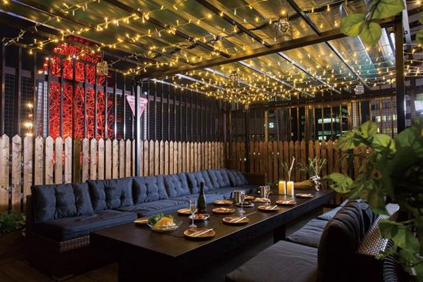 グランピングコーナー(1人・6000円)は、前菜とクラフトビール飲み放題付き。最大22人まで利用可/TOP of HANKYU『BEER CAMP』