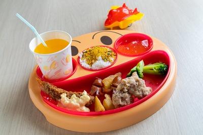 「鳥と蕎麦専門店 鳥さく」のお子様セット599円は選べるおもちゃ付き
