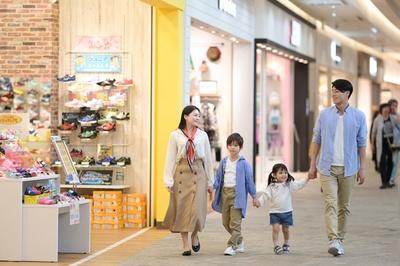 子供服や靴を選ぶなら、3階の専門店街から見て回るのがおすすめ