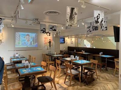 カフェ来店特典でペーパーランチョンマットがもらえるのもうれしい ※画像は池袋カフェのもの/うる星やつらcafe
