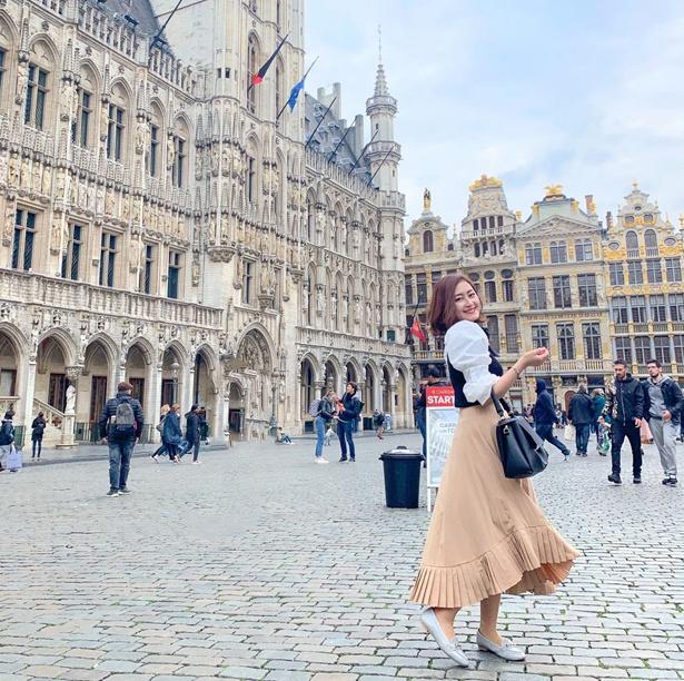 中学、高校とハープを嗜んだカオリさん(20歳)。現在の趣味は旅行で、今までにイギリス、フランス、ギリシャ、ベルギー、オランダ、カナダなど様々な国を訪れた