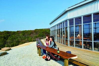 播磨灘や風車など島の絶景が広がる農家レストラン&カフェ/グリナリウム淡路島
