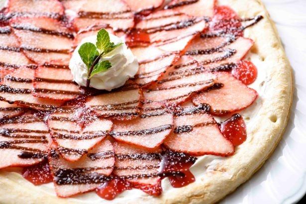 スカイベリーのデザートピザ