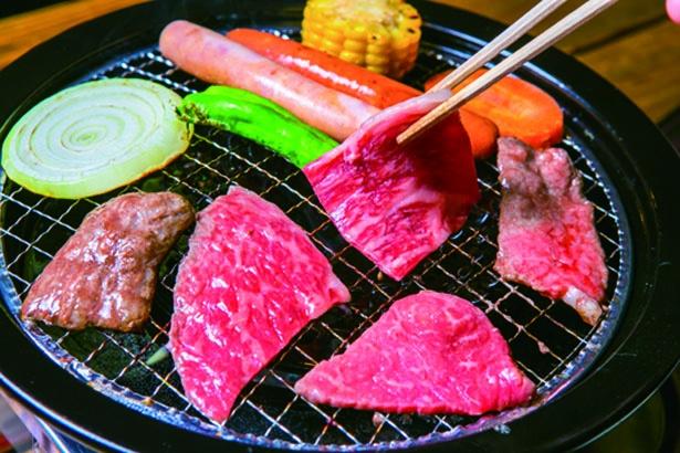 「バーベキューハウス」の焼肉食べ放題が人気/滋賀農業公園ブルーメの丘