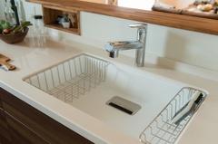 生活感のないキッチンってどうやって作るの? 片づけのプロから学ぶキッチンの収納術