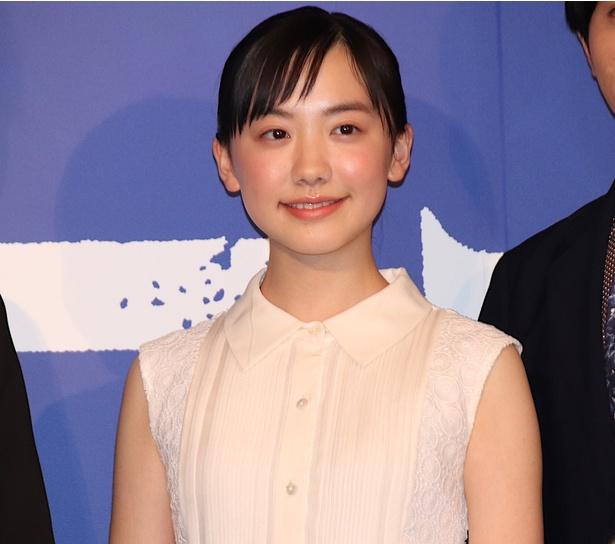 芦田愛菜「米津さんの曲はすごく好きで、よく聴いている。歌詞がステキ」と告白!