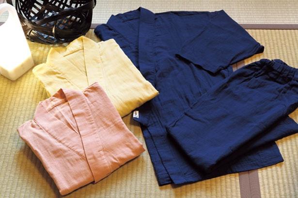 館内着はダブルガーゼ素材の作務衣/京町家 楽遊 仏光寺東町
