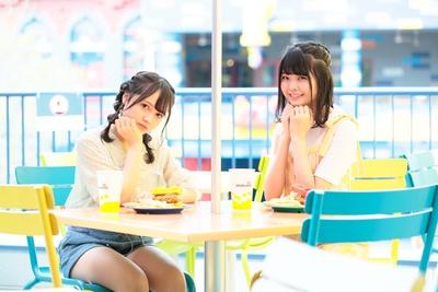「チキン・ダイナー」でレゴチキンサンドセット(各1,520円)をぱくり!