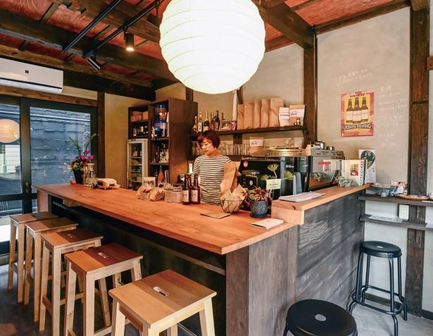珈琲と麦酒 / 古民家を再生した空間
