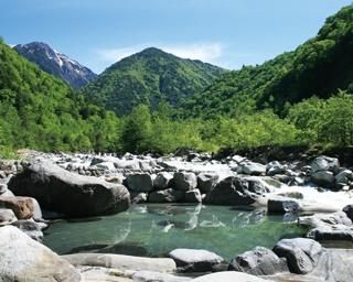 """緑に囲まれてリフレッシュ!日帰り入浴もできる岐阜・高山の""""森の温泉""""をご紹介"""