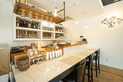 「dessert cafe HACHIDORI」内観