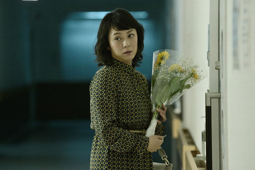 【写真を見る】『リング』『リング2』の生き残りである倉橋雅美も登場。どこか不気味…?