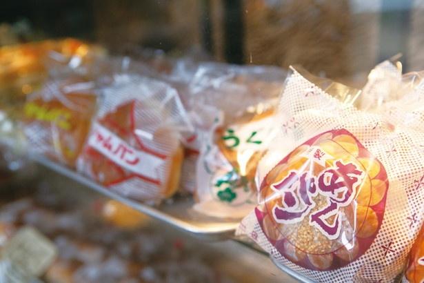 パンはストレート法と呼ばれる、機械に頼らない方法で作られる