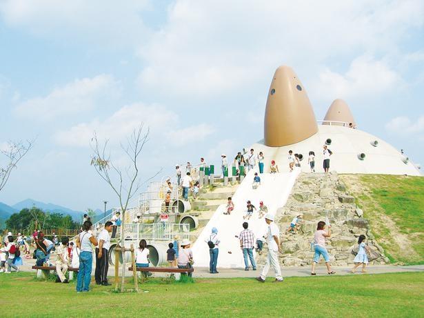 民話がモチーフのインパクト抜群の巨大遊具「鬼ヶ富士」/兵庫県立有馬富士公園