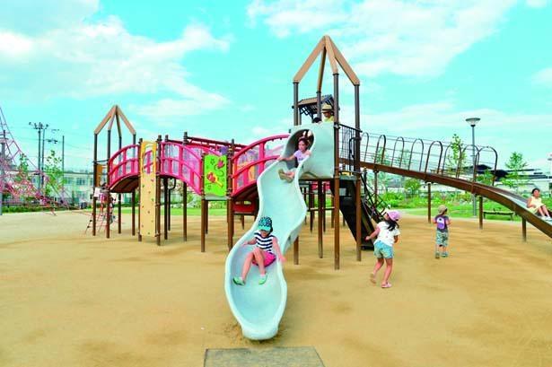 京都市内最大規模の大型遊具がある「すざくゆめ広場」/梅小路公園
