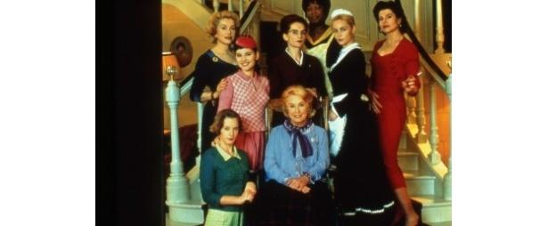 『8人の女たち』は2002年ベルリン国際映画祭で、カトリーヌ・ドヌーヴなど8人の女優に対し銀熊賞が与えられた