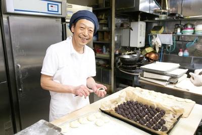 代表の平井成明さん「どこにでもあるけれど、どこよりもおいしいパンを目指して作ってます」 / 中屋パン