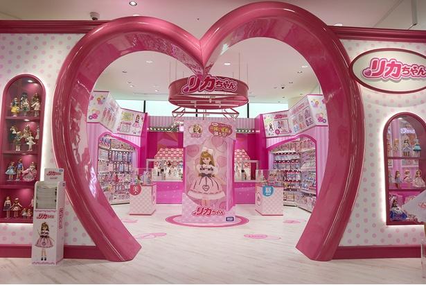 子供に人気のブランド毎にブースを展開するキャラクターストリート(7階)