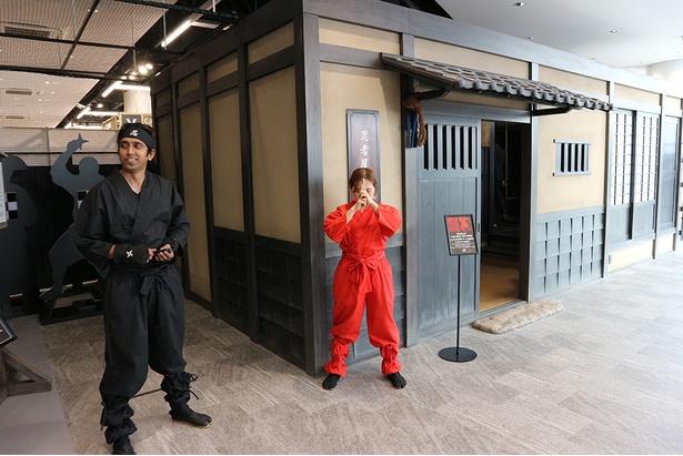 日本文化を体験できる忍者パーク。忍者屋敷では脱出ゲームを楽しめる(8階)