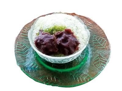 智恵氷(500円)は抹茶かき氷に智恵の餅が2つ入る/彦兵衛茶屋
