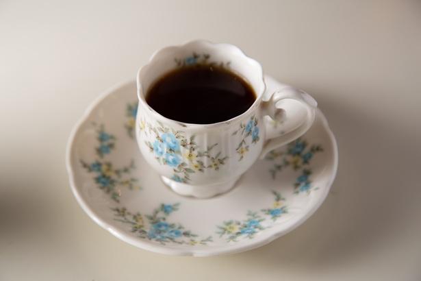 ランチタイムは食後に出てくるデミコーヒーがサービス / ブルマーシャン
