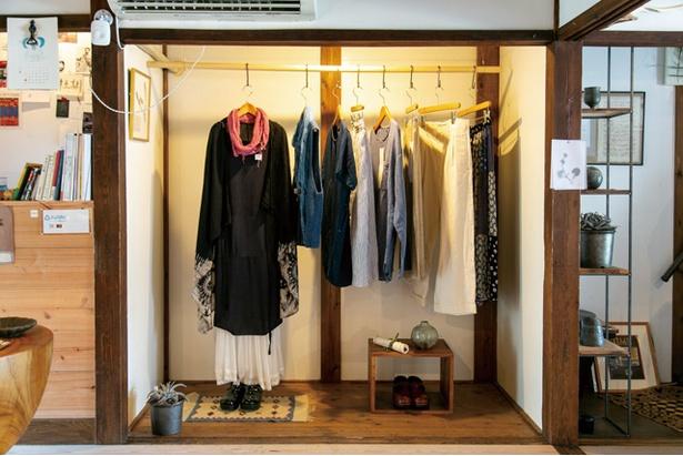 杜胡 / 衣類は、着心地を重視してセレクト。なかでもカナダの古着が多く、どれもユニセックスなデザインだ