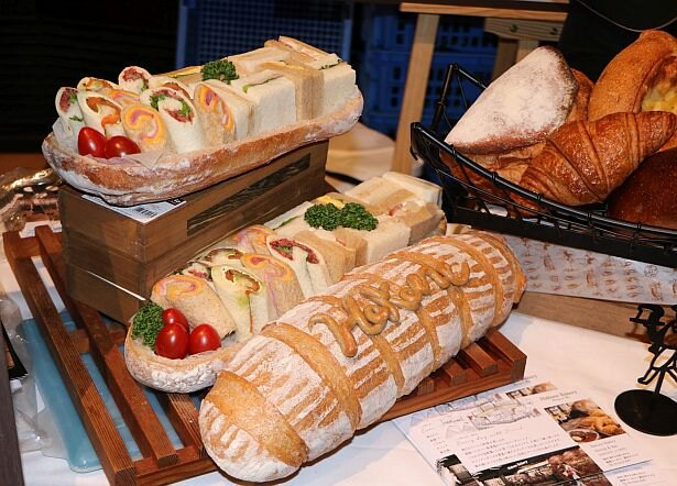 こだわりベーカリーが食べられる!ベーカリー レストランバー「Hakone Bakery Dining & Bar」