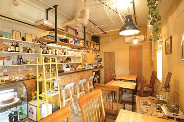 「OOSE CAFE / 店内の様子