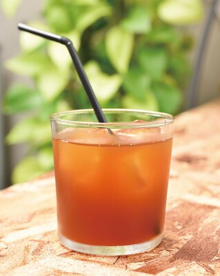 BLUE BEANS ROASTERY / 「エアロプレスのアイスコーヒー」(450円)。浅めの焙煎で果実味や酸味を感じられる
