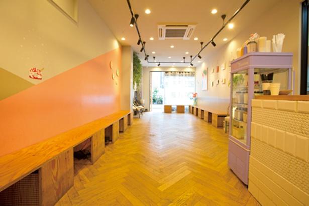 センスのよいイラストが描かれた壁は、絶好の撮影ポイント/Cafe no.