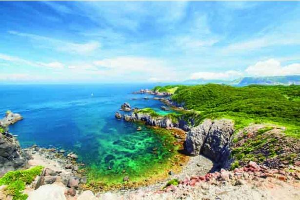 かつては若い男女の出会いの場として夏にはたくさんの若者が訪れた新島