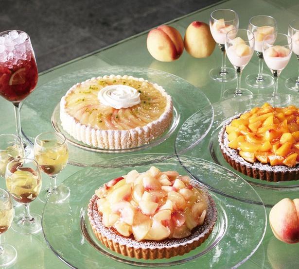 グランド ハイアット福岡「クールサマー デザートビュッフェ」 / 桃を使ったスイーツもたっぷり。サングリアも飲み放題だ