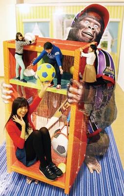 長崎 / 夏の特別展「あれ!? どうして!? カメラの向こうは不思議な世界」 / カメラを通して見える3Dの世界を、大人も子供も体験できる