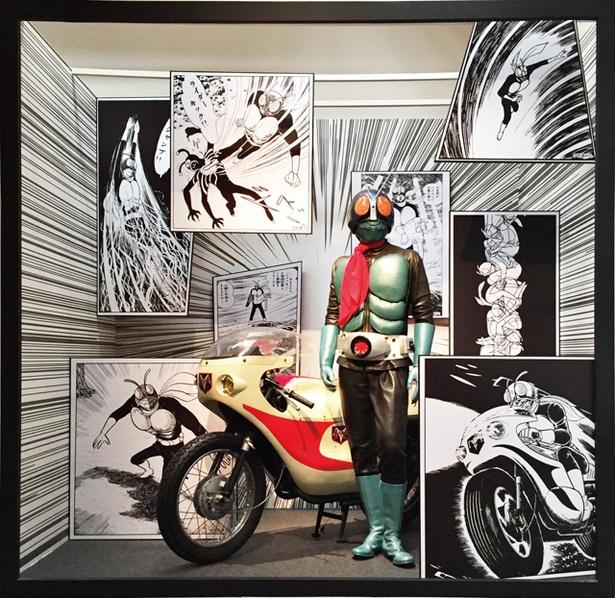 大分 / 超世代 仮面ライダープレミアムアート展 / 1971年放送開始の仮面ライダー1号から最新作の仮面ライダージオウまで一挙集結 ※写真は過去の展示内容